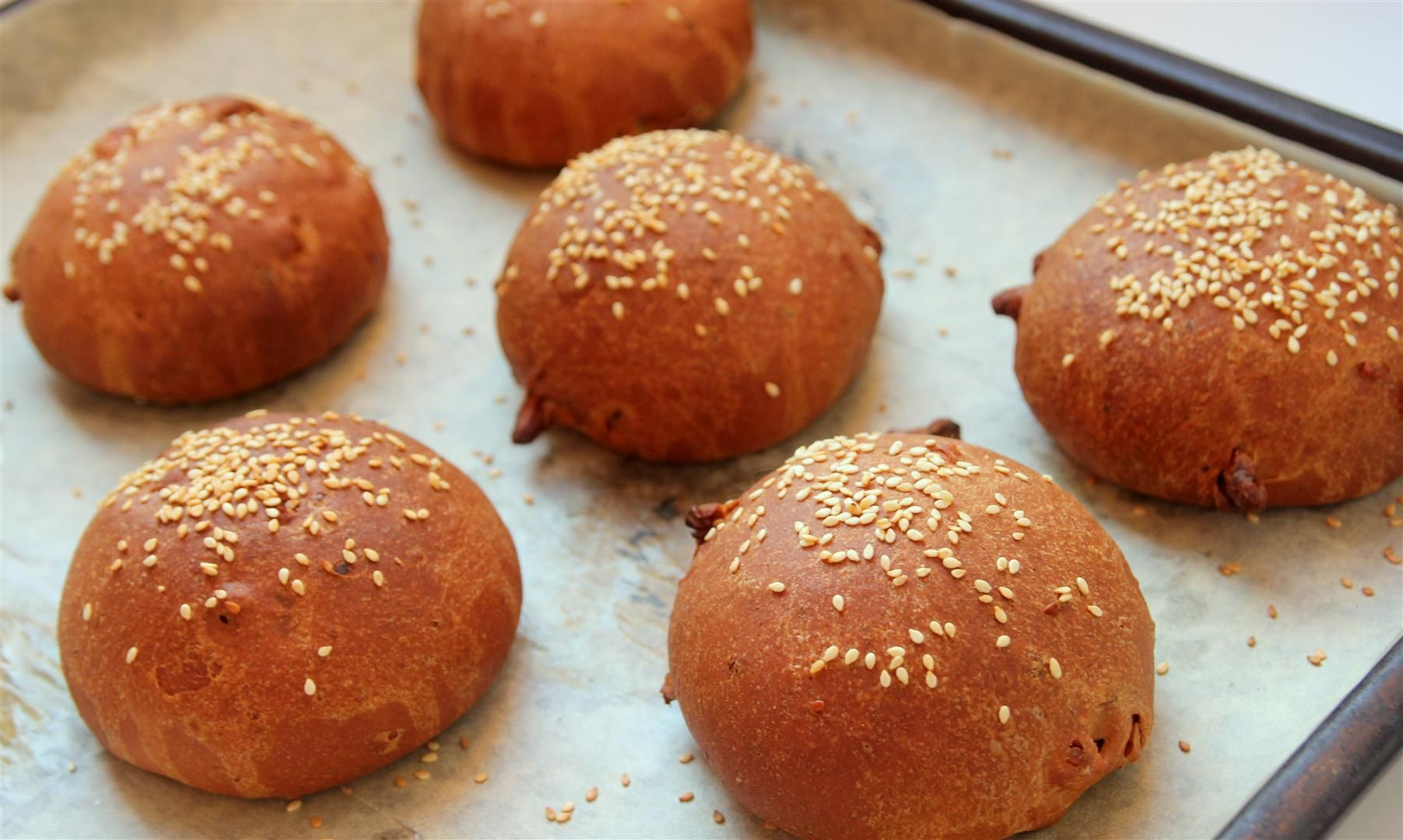 Whole Wheat Rolls with Walnuts