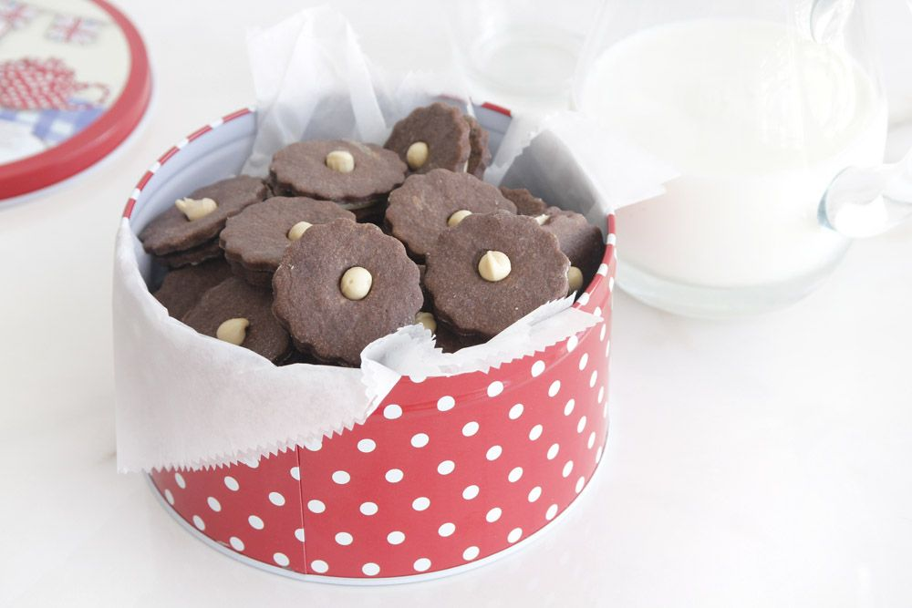 Chocolate Sandwich Cookies with Halva Spread
