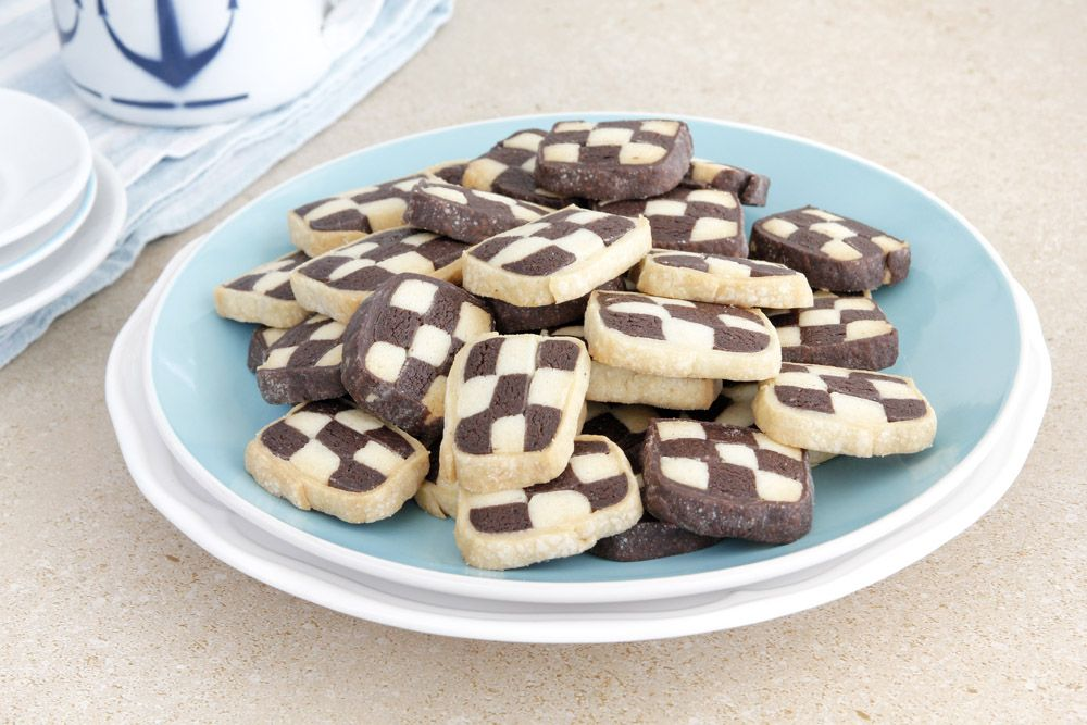 Black and White Chess Cookies | Lil' Cookie
