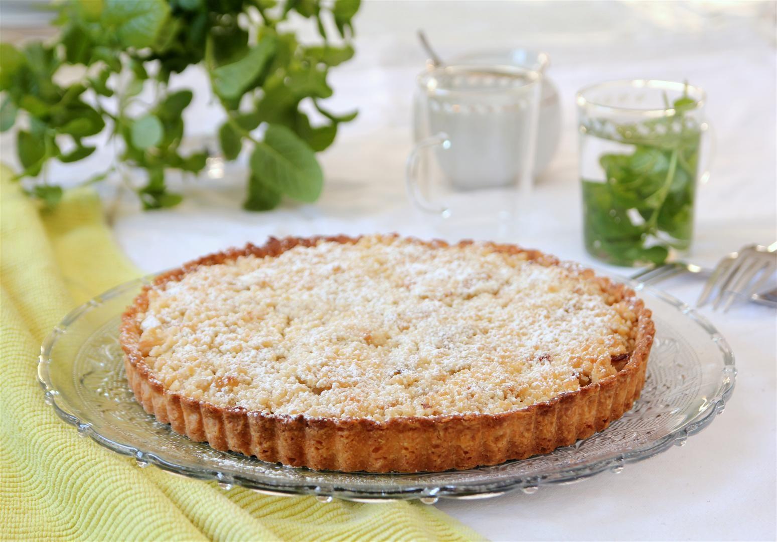 Apple pie with Hazelnut Streusel