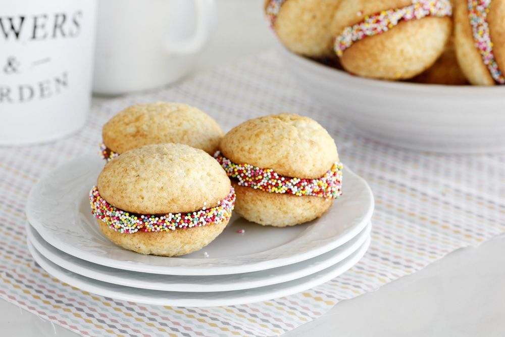 Coconut and Chocolate Whoopie Pie