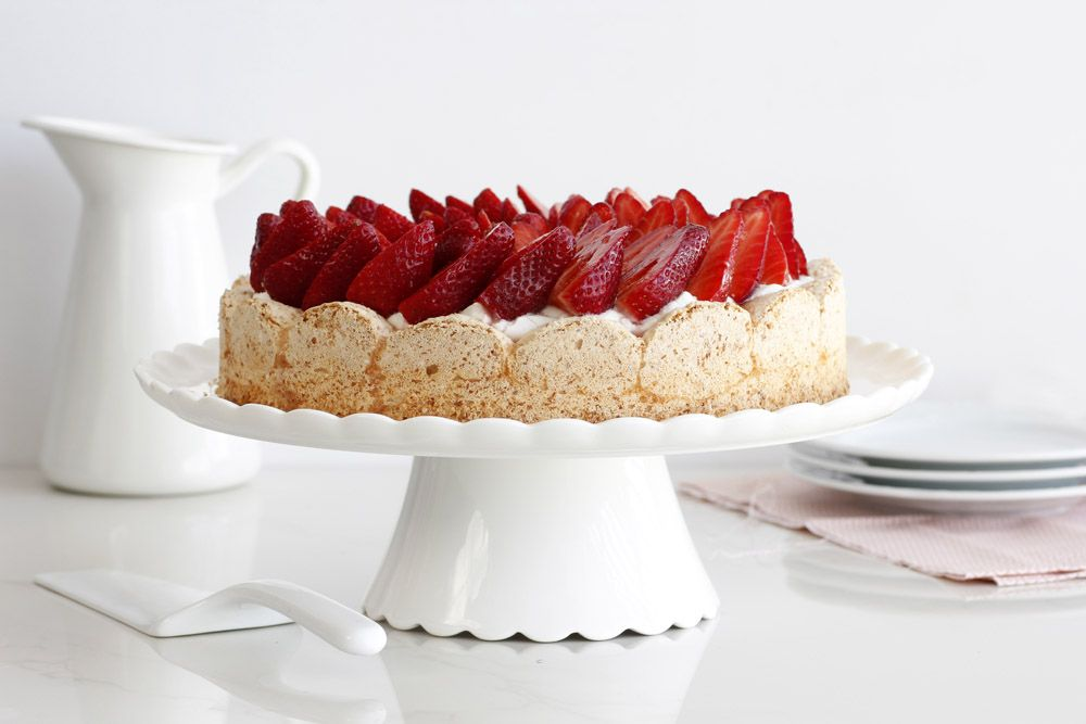 Flourless Mascarpone Strawberry Cake