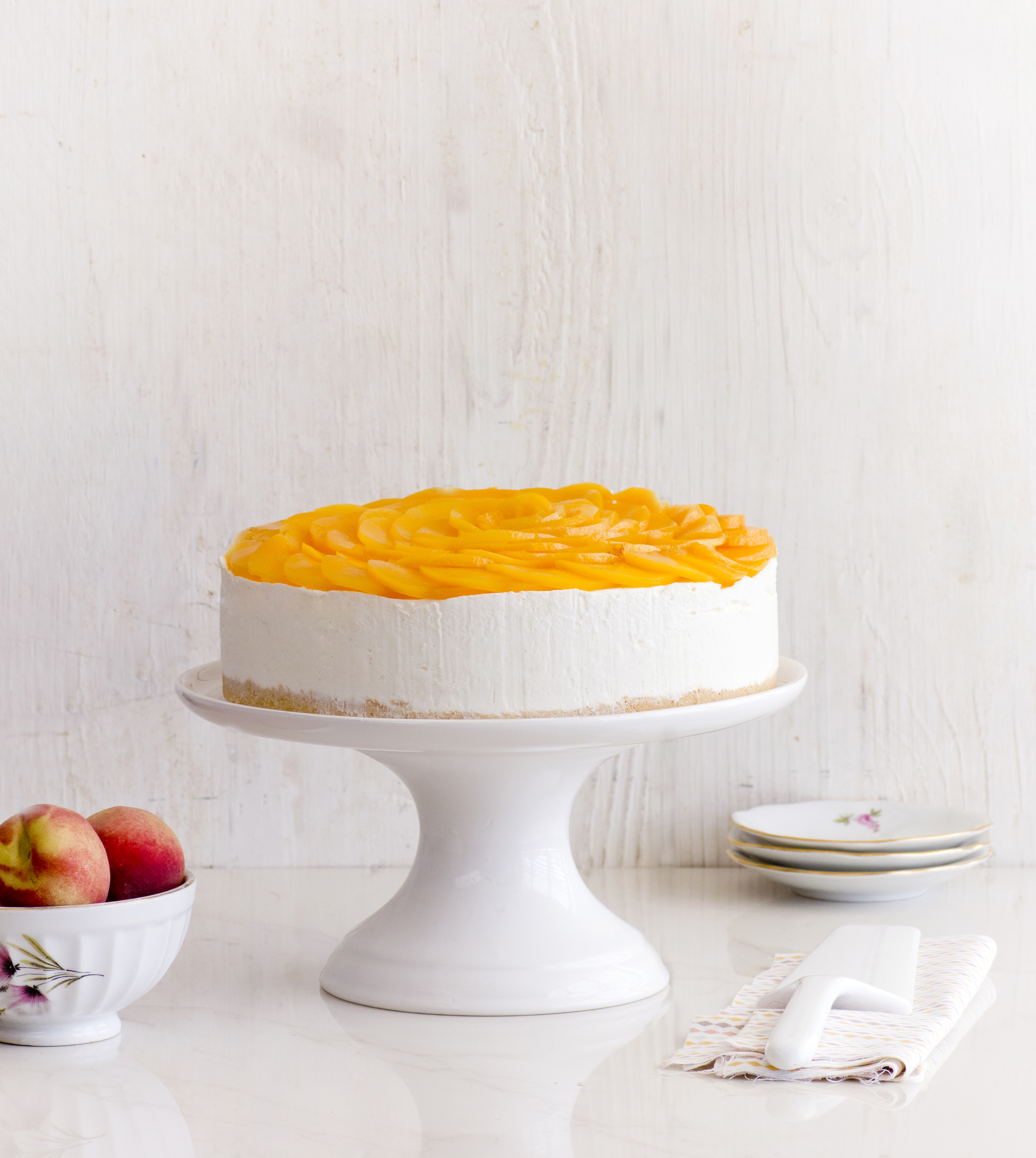 No Bake Cheesecake with Peaches