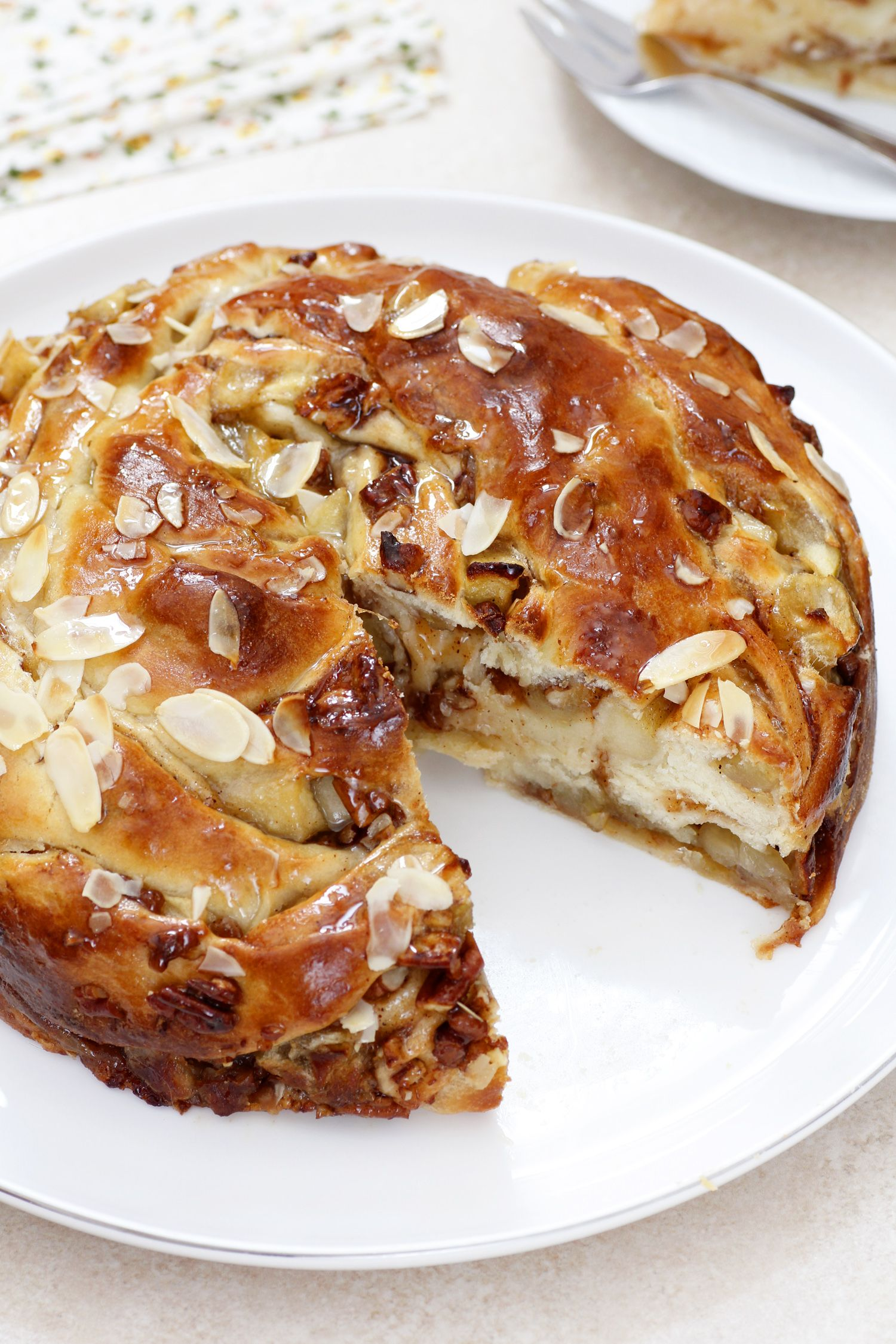 Cinnamon Challah Crown with Apples and Pecans
