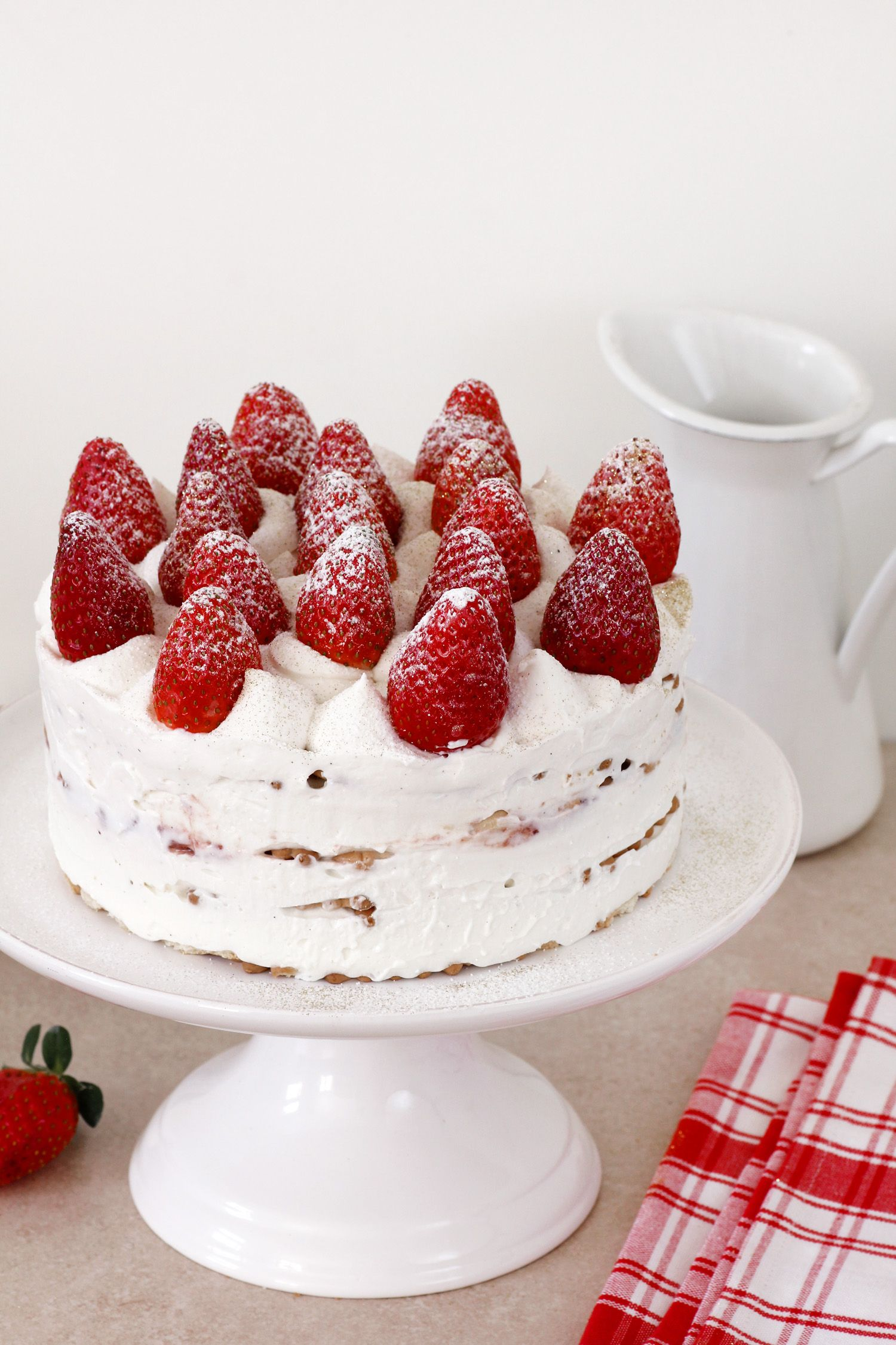 Strawberry and Cream Icebox Cake