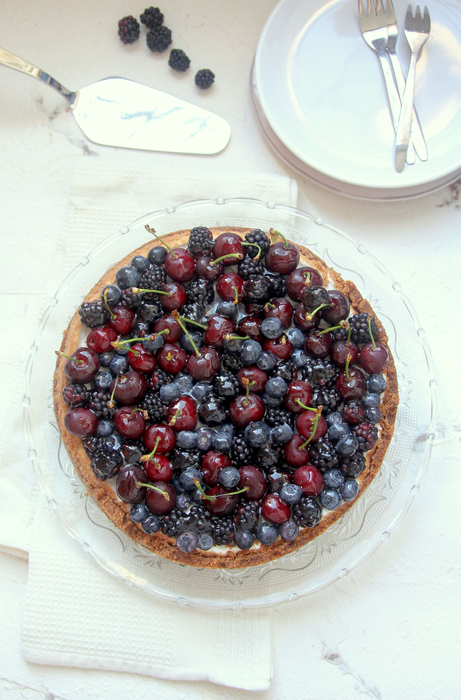 Almond Cheesecake with Berries