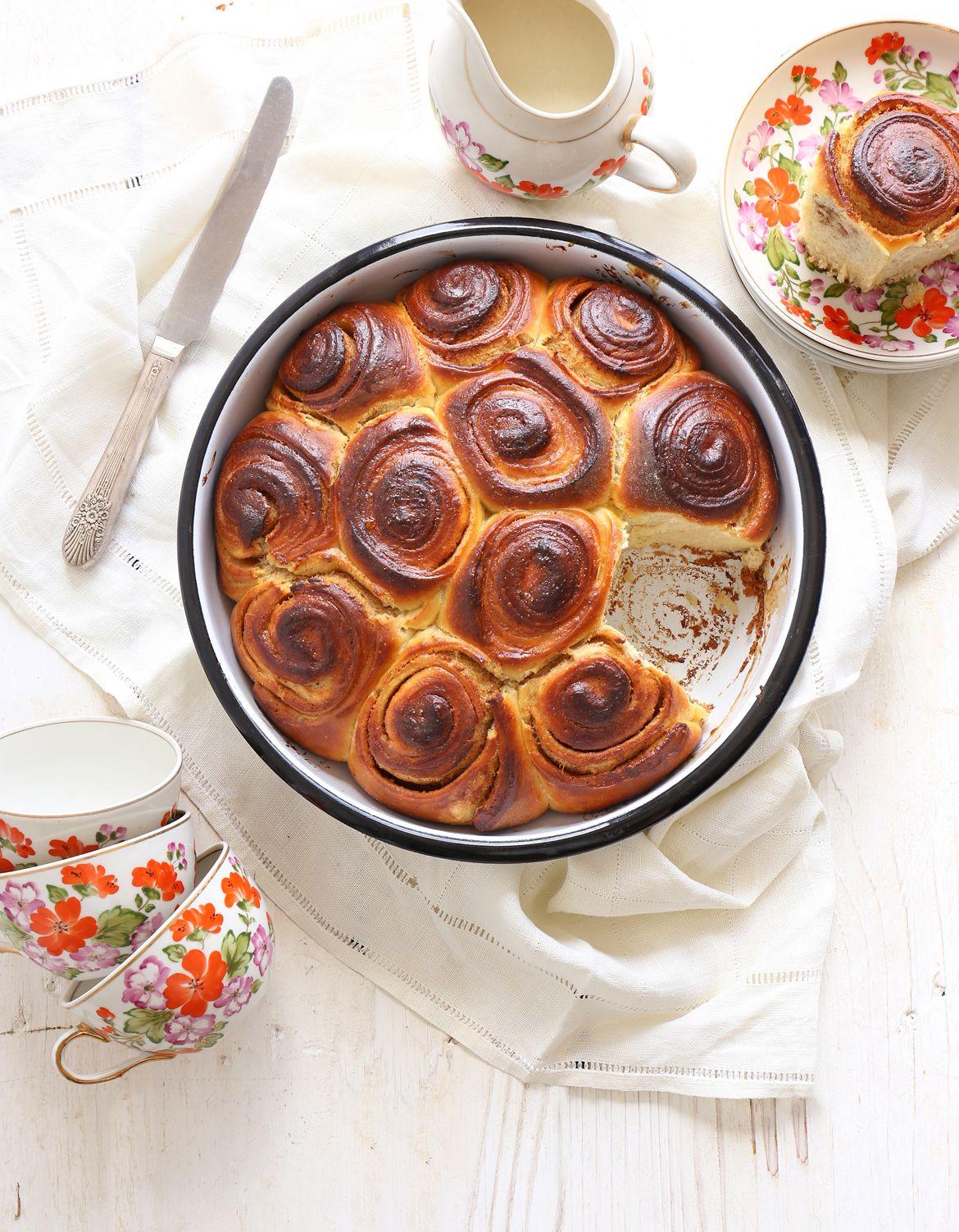 Ricotta Cinnamon Roll Cake
